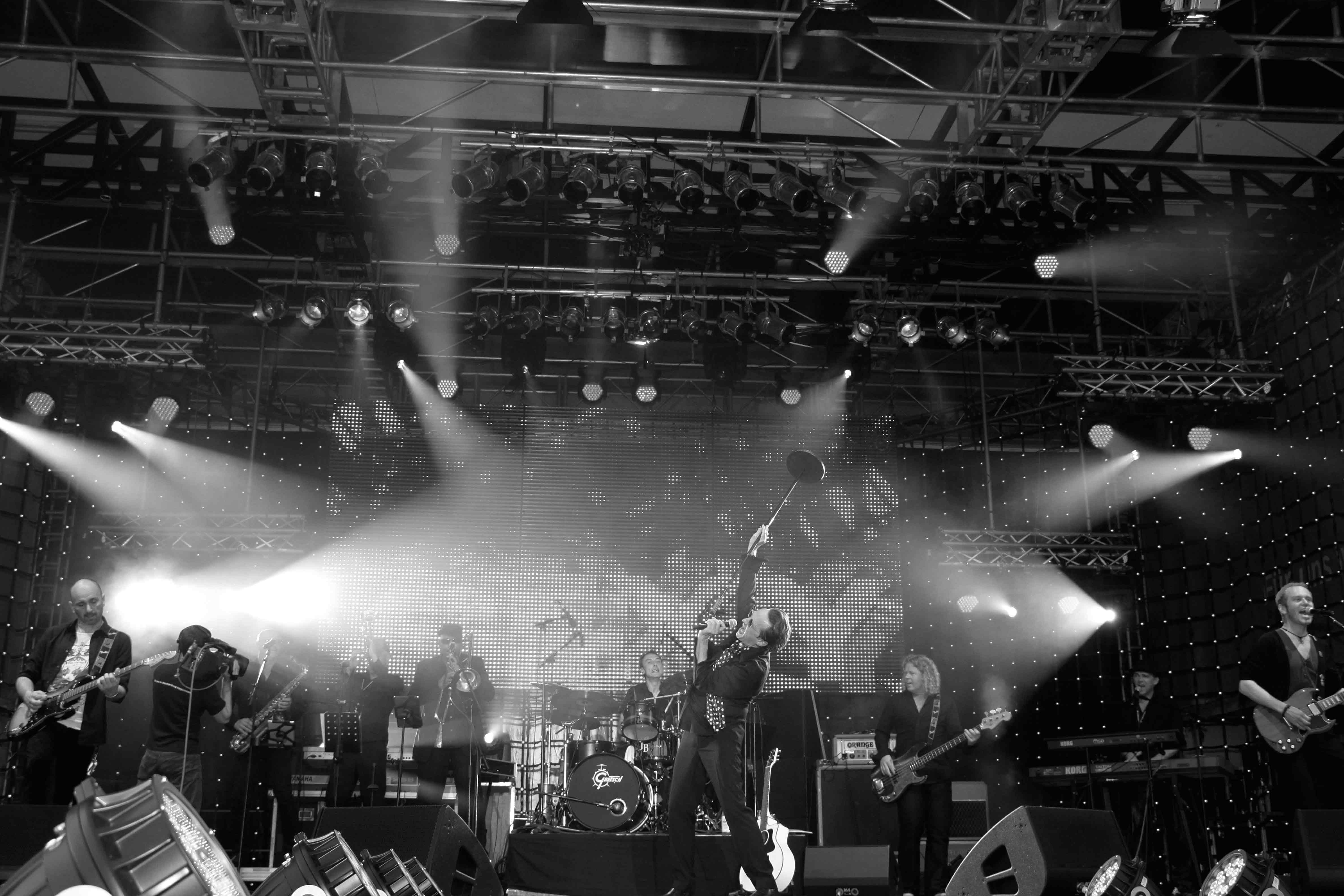 Weitersagen-auf-Tour-mit-seiner-Band